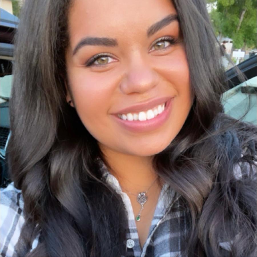 julia927 Profile Picture